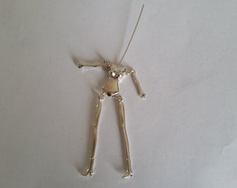 1 pendant articulated doll body