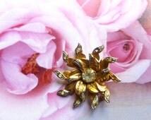 Vintage Brooch with rhinestones. 50's Jewelry. Retro Brooch. Flower shape