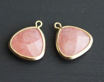 A2-302-MG-RO] Rose / 14 x 16mm / Matt Gold plated / Triangle Glass Pendant /  2 pieces