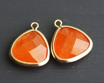 A2-302-MG-O] Orange / 14 x 16mm / Matt Gold plated / Triangle Glass Pendant /  2 pieces