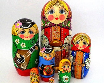 Nesting dolls  Russian family 7 pieces set