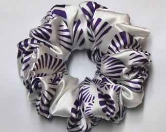 Scrunchie - White Purple