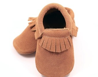 Auburn / camel brown baby shoes, baby moccasins, fringed booties, baby mocs, first walker, leather shoes for girl or boy, baby shower gift