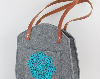 Grey felt tote bag, with turquoise, teal crochet applique, big size, for shopping, spring bag, genuine leather handles, tote bag, tote felt