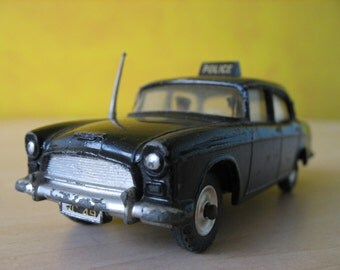 Dinky Toys #256 Humber Hawk Policecar.