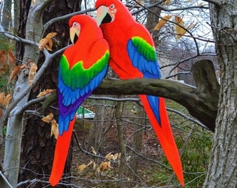 Two parrots on a tree Lawn art, yard decoration