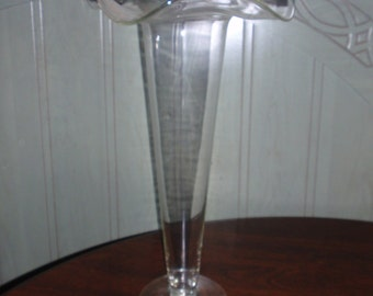 "16"" Ruffled Glass Trumpt Vase"