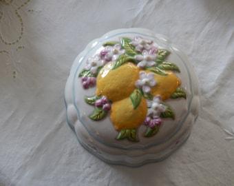 ENGLAND LE CORDON Bleu Mold with Lemons
