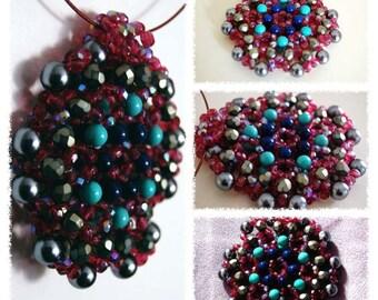 medaglione perle e cristalli.