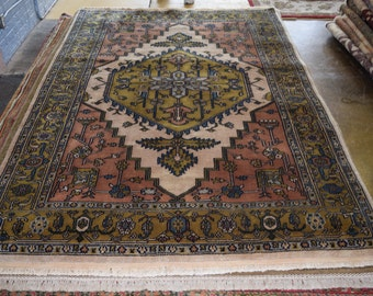 Nice Persian Hand knotted rug