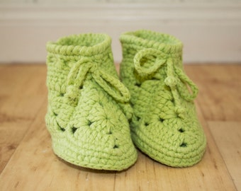 Crocheted shoes baby,  crocheted booties Baby, Baby booties, Crochet booties, Baby Shoes, Infant Booties,  Apple green, Green,