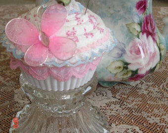 Cupcake Pincushion ~ Pink and blue