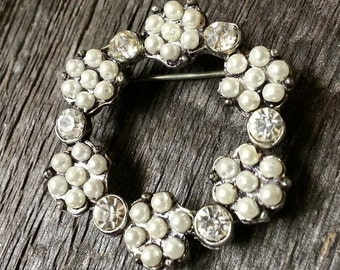 Vintage Brooch with Faux Pearl Beads and Crystal Rhinestones