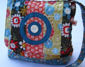Retro design patchwork messenger bag