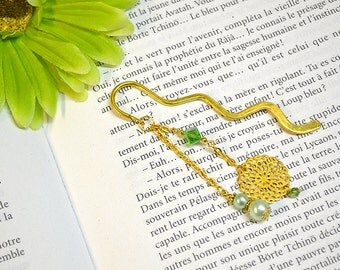 gold flower bookmark