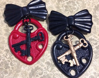 Cross My Heart Dangle Bow Brooch - Crossed Keys - Sweetheart Love Novelty Pin