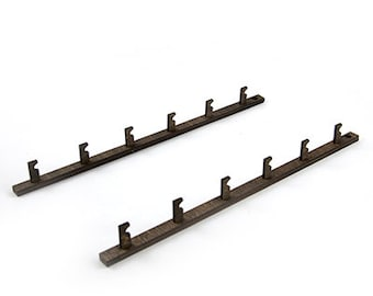 Arrow Display Rails