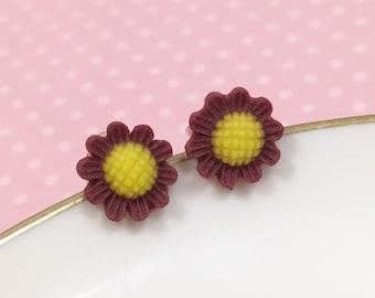 Brown Daisy Studs, Brown Flower Earrings, Flower Girl Earring, Sensitive Ear Stud, Brown Sunflower Stud (SE3)
