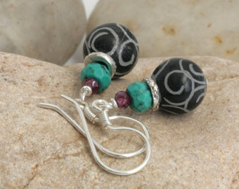 Carved Black Jade TURQUOISE Garnet Hill Tribe Sterling Silver Dangle Earrings // Handcrafted Jewelry // luluglitterbug