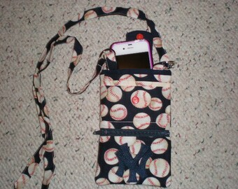 New York Yankees Cross Body Cell Phone Wallet Purse