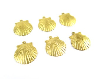 Brass Sea Shell Charms (6x) (M563)
