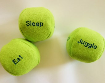CUSTOM JUGGLING BALLS - 3 Personalized Balls and Bag