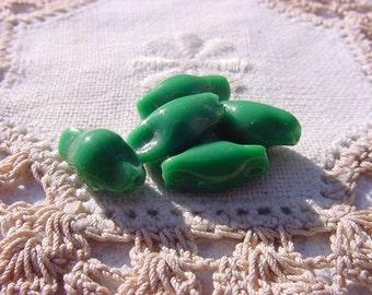 Kelly Green Pinched VintageGlass Lampwork Beads