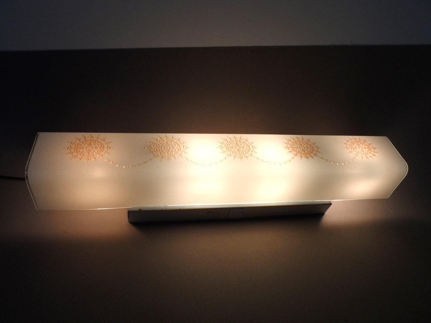 Mid Century Vanity light Bar Floating Shade Four by auctionannie