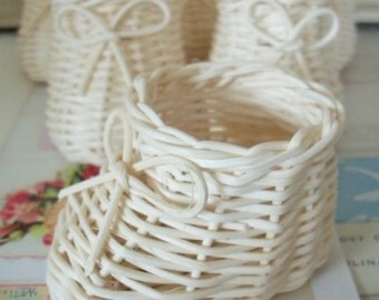 Vintage / Woven Basket Style Baby Shoe Party Favors / Set of Six