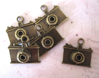 Camera Charms - set of 5 - Antique Brass - vintage mini findings by Maya Road
