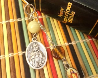 Sacred Heart of Jesus Beaded Bible Bookmark - Immaculate Heart of Virgin Mary Holy medals