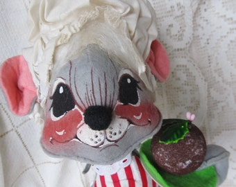 Vintage 1960's AnnaLee Christmas Baker, Large