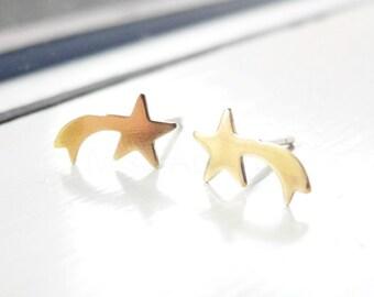 Shooting Star Earring Studs,Star Earrings,Lunar Jewelry,Golden Brass Jewelry,Shooting Stars Jewelry,Hypoallergenic Earring Studs (E235)
