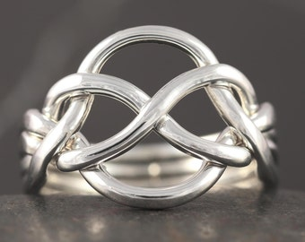 Celtic knot puzzle ring in sterling silver - Handmade to your size