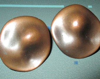 Vintage Modernist 60s Round Copper Organic Clip Earrings