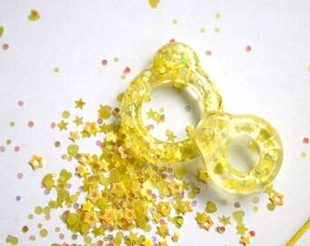 Twiggy Twiggy Yellow Glitter Pull Ring  PR03-03