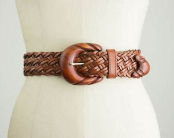 90s Vintage Ellen Tracy Chestnut Woven Leather And Wood Belt / Size Medium