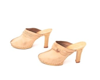 size 10 PLATFORM peach tan leather 70s 80s CLOGS resin high heel MULES