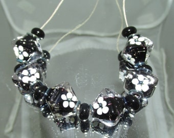 BLACK AND WHITE Crystal shaped beads. Lampwork glass beads by Teena