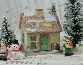 Gnome Home - Green Door miniature home fairy garden fairyland house - D-017-23-8