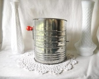 Vintage Sifter Flour Sifter Bromwell 5 Cup Sifter Rustic Kitchen Retro Kitchen Farmhouse