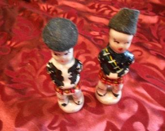 Scottish/Figurenes/Ceramic/Lassies