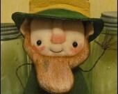 Leprechaun free-standing Doll Whimsical creepy cute Irish st. Patricks day country home decor Farm Quirky Primitive doll hafair ofg team
