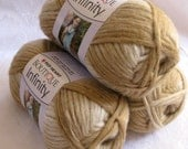 Boutique Infinity yarn in ALMOND,  bulky weight yarn, Red Heart Boutique, cream tan shades, metallic