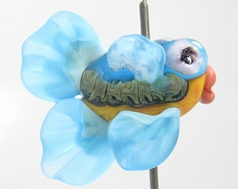 Handmade Etched Glass Lampwork Fish   Aqua Blue and Yellow