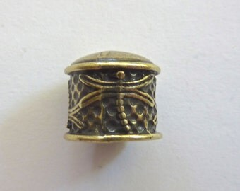 Antiqued Brass Carved Dragonfly End Caps  12mm (1)