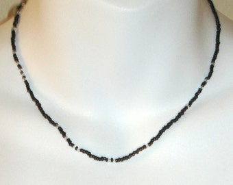 vintage delicate black and clear seed bead beaded necklace