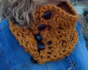 The Butterscotch Cowl Crochet Pattern - Chunky Cowl, Oversized Neckwarmer, DIY with buttons or ribbon