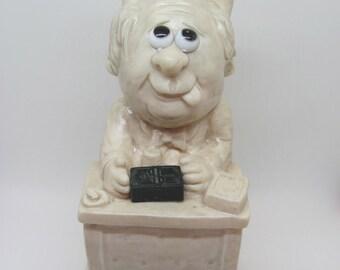 1971  W & R Berries Co. # 823 Figurine