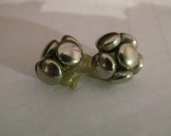 bead metal plastic clips